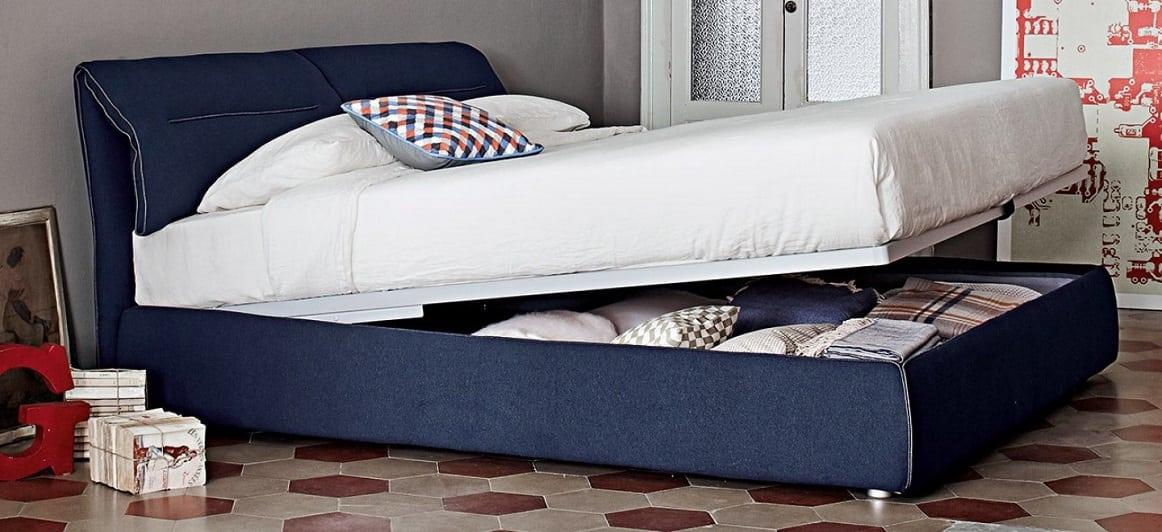 מיטות זוגיות: מיטה זוגית Campo עם שטח אחסון בגוון כחול