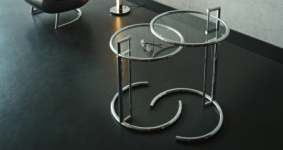 קלאסיקות, שולחנות צד: שולחן צד מזכוכית E1027 בעיצובה של אילין גריי