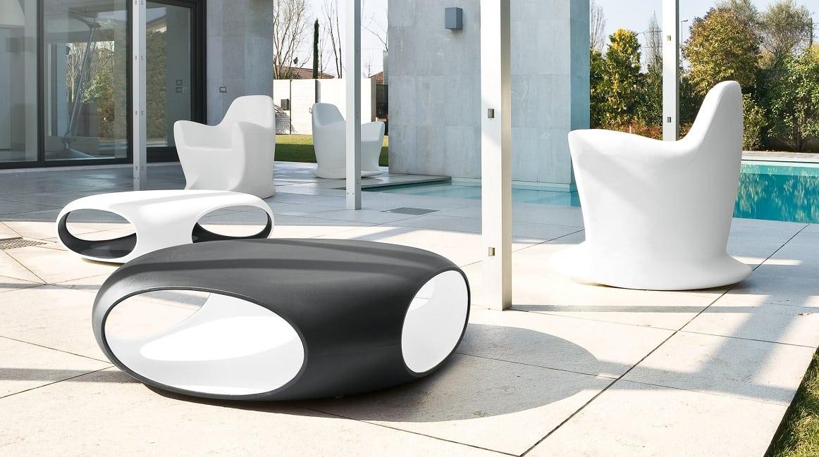 שולחן סלון מיוחד לחצר או למרפסת