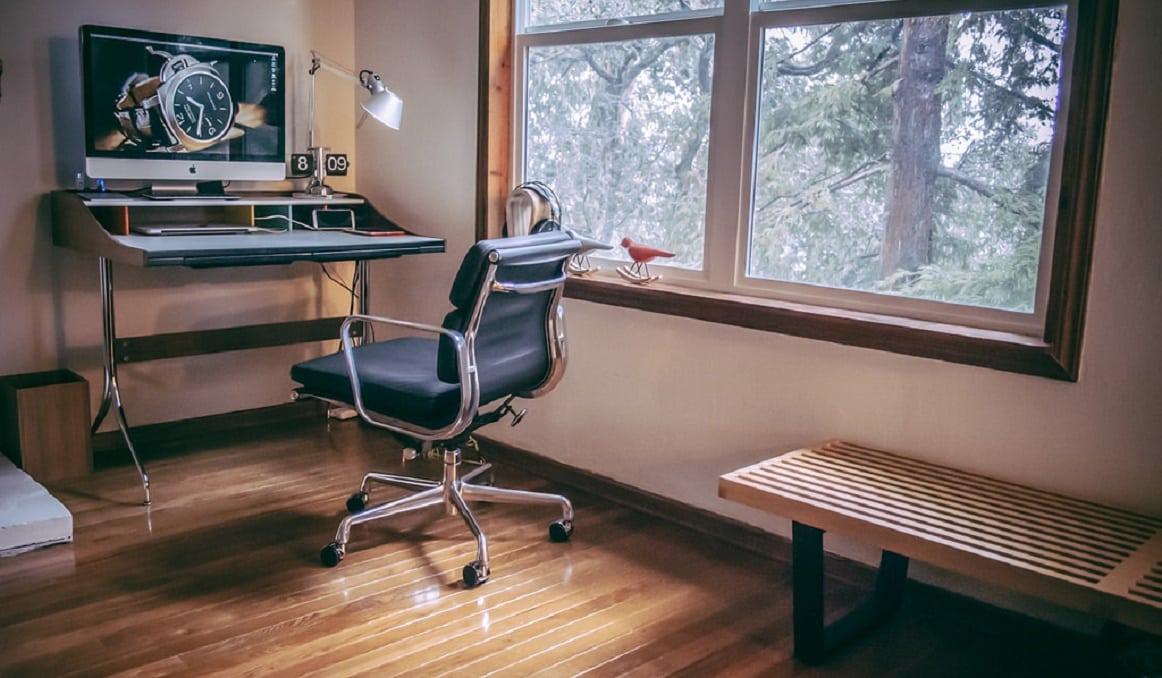 Swag Leg Desk0