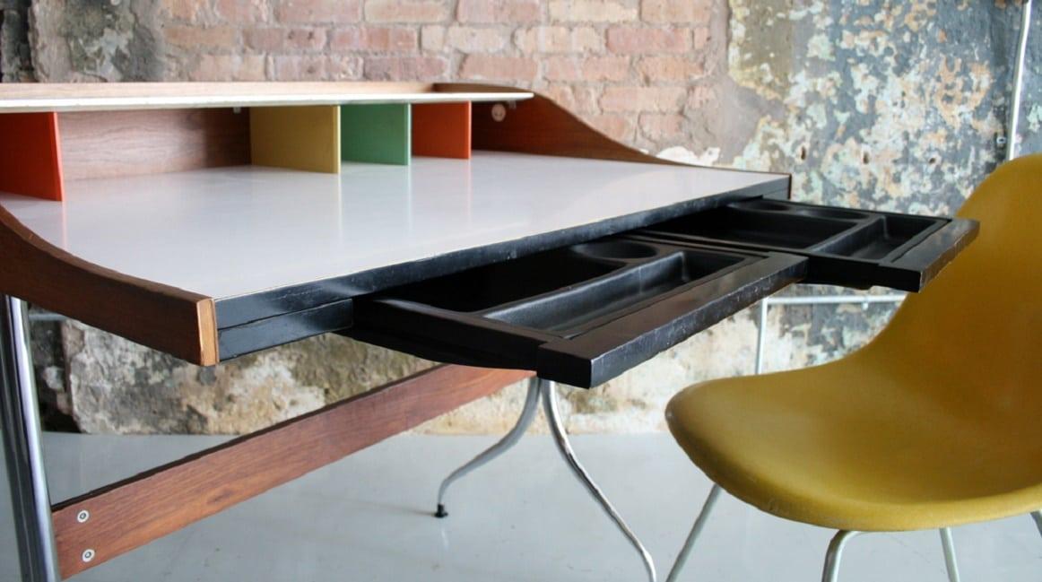 Swag Leg Desk2