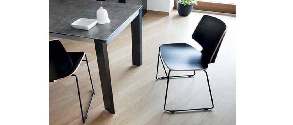 כסא לפינת אוכל - שחור