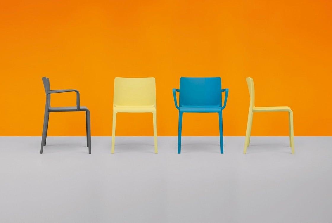 כסאות למטבח בגוונים שונים