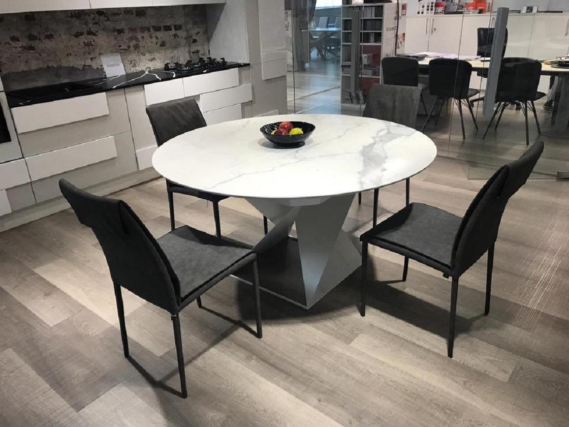 שולחן עגול למטבח