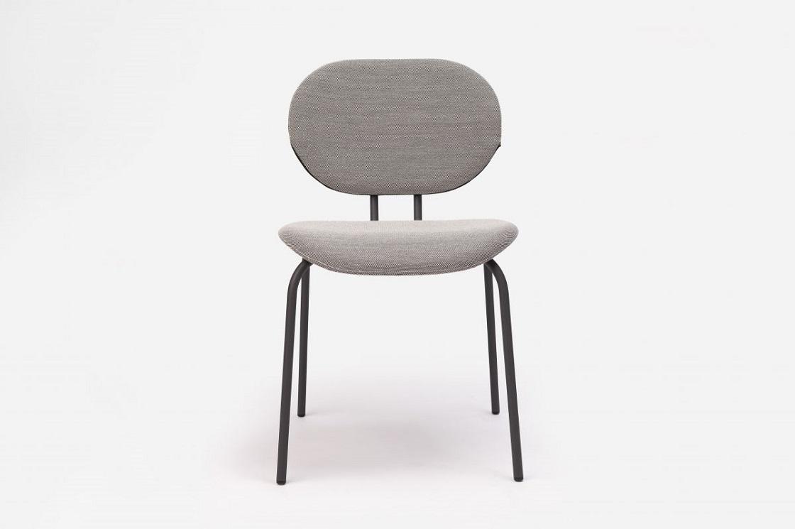 כסא אוכל עם עיצוב אפור